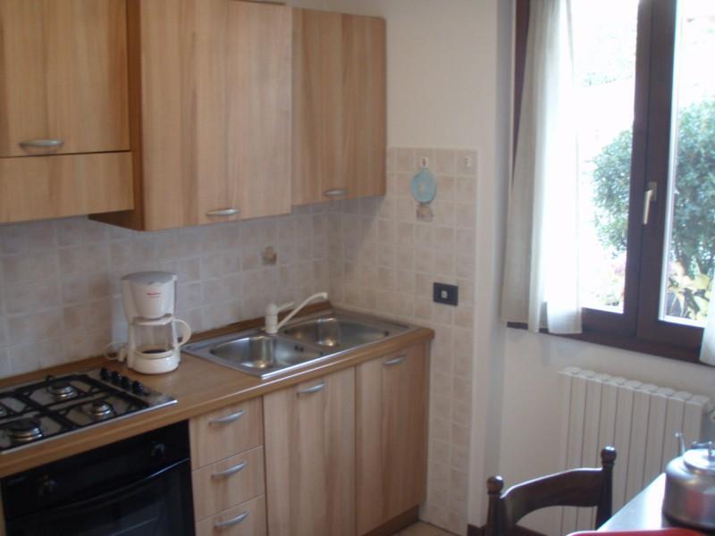 Casa Flora kitchen - Idro lake - hotel Alpino