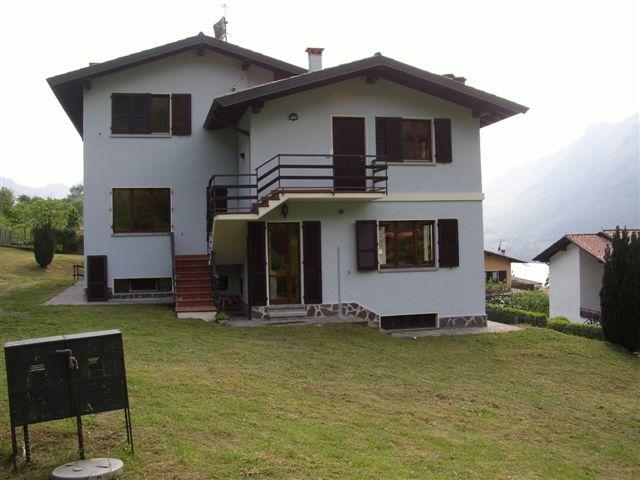 Casa Maria outside, Hotel Alpino, Idro lake