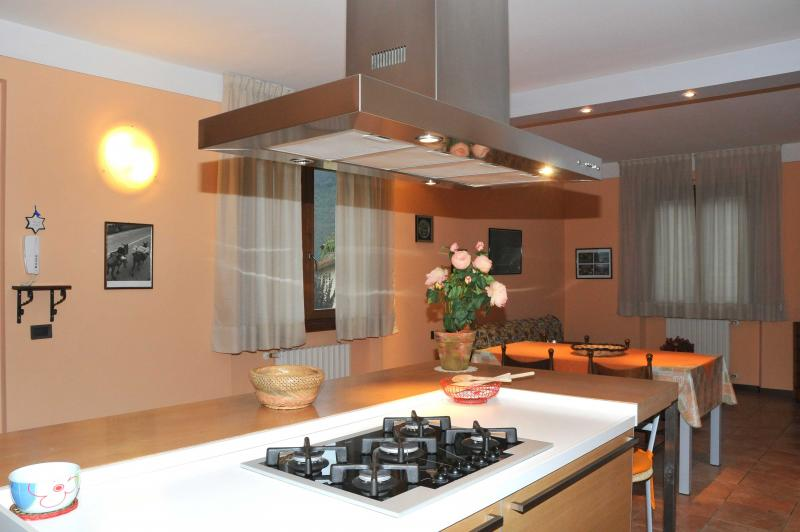 Cucina Casa Lucia 2 - lago di Idro - Hotel Alpino