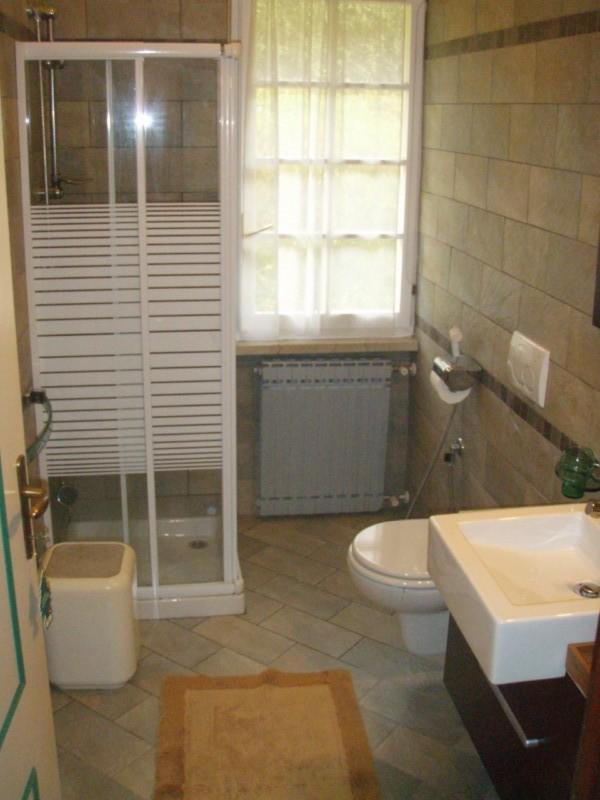 Villa Stefano Bathroom - Hotel Alpino - Idro lake
