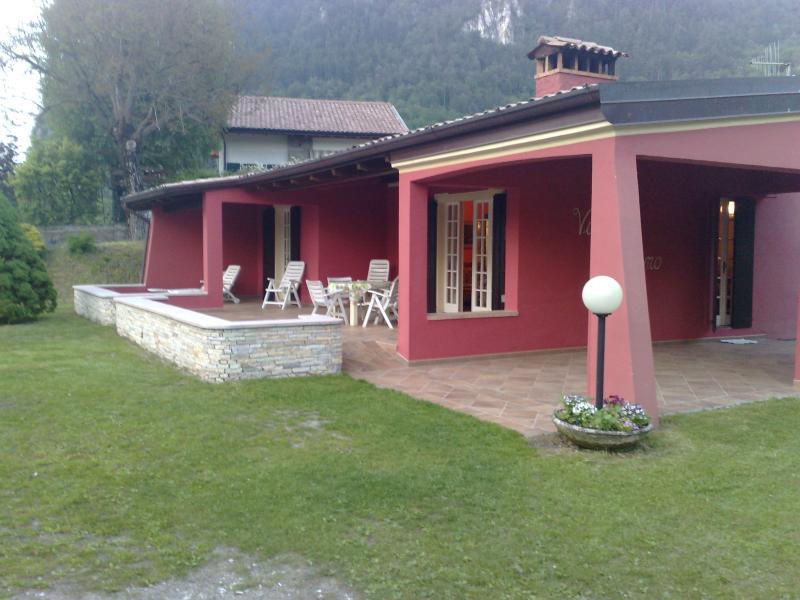 Villa Stefano buiten, Hotel Alpino, Idromeer