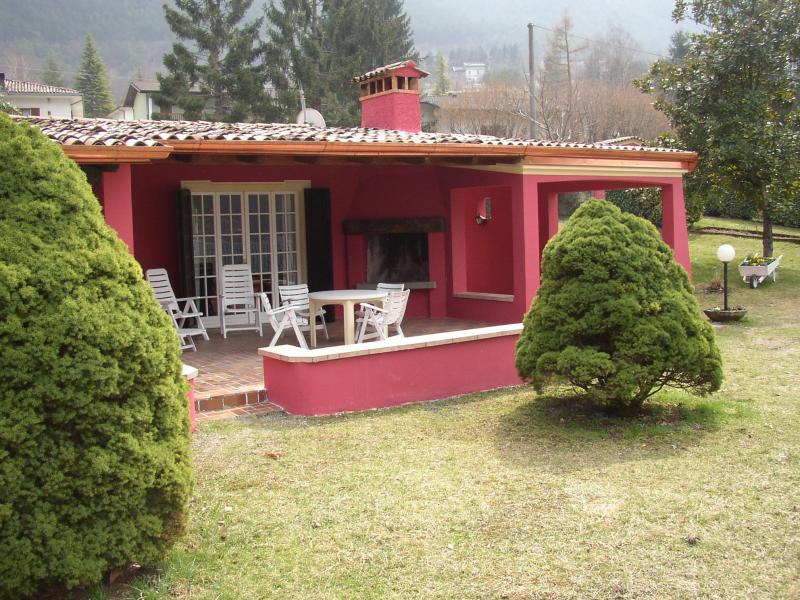 Villa Stefano fireplace for barbecues - Hotel Alpino - Idro lake