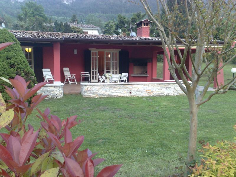 Villa Stefano tuin - Hotel Alpino - Idromeer