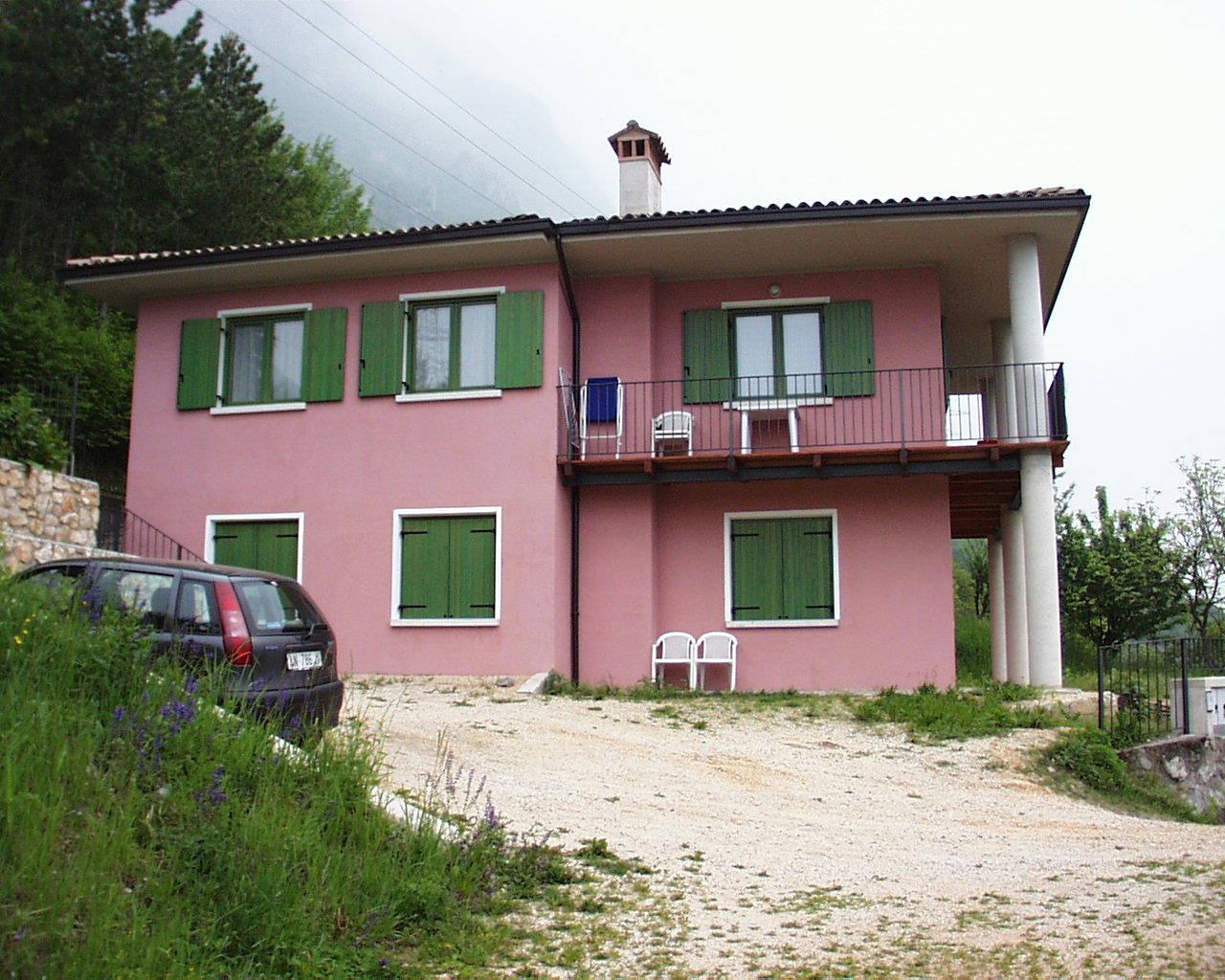 Casa Marcella vista dall'esterno - Lago di Idro - Hotel Alpino