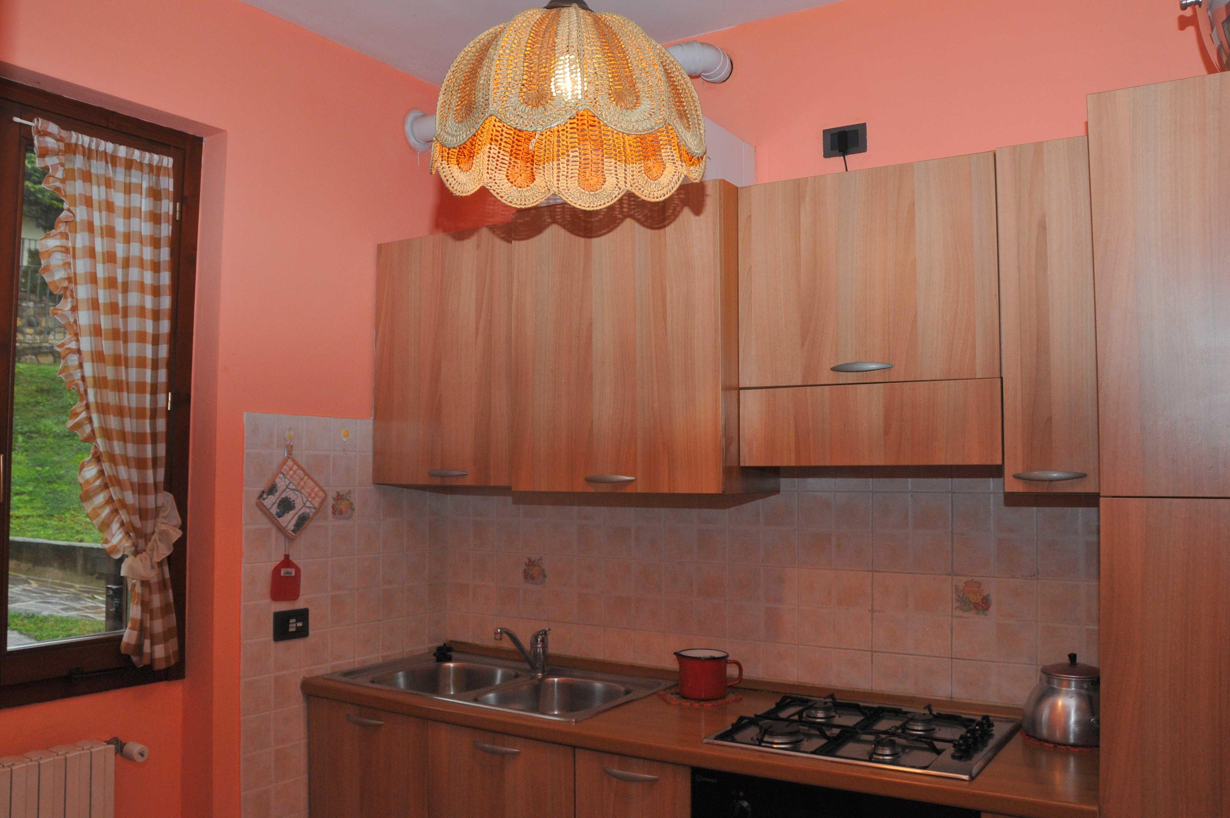 Cucina Casa Flora - lago di Idro - Hotel Alpino