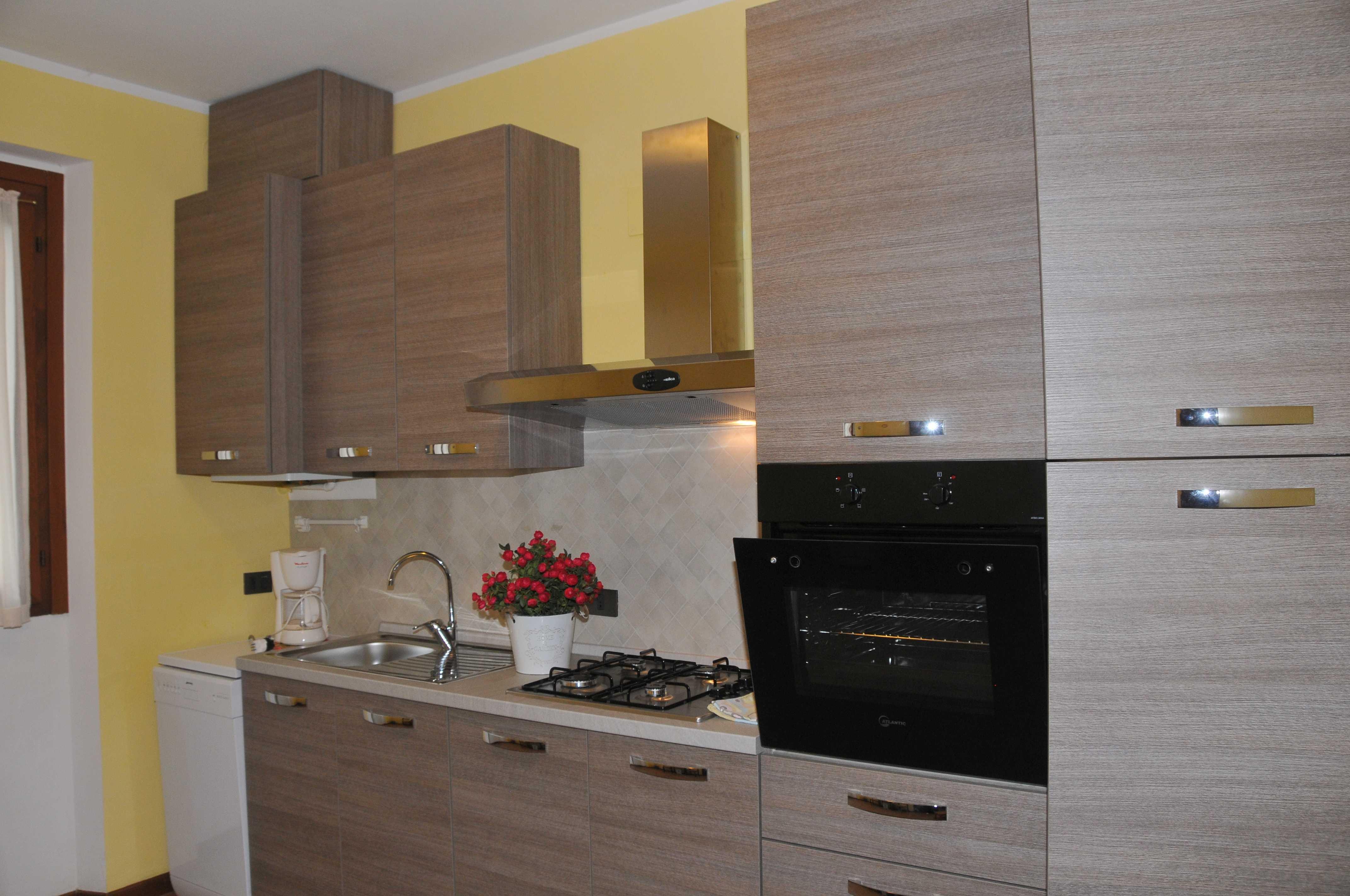 Cucina Casa Lucia 1 - lago di Idro - Hotel Alpino