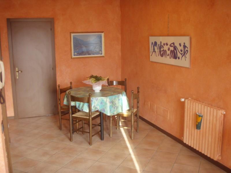 Sala da pranzo Casa Flora - lago di Idro - Hotel Alpino